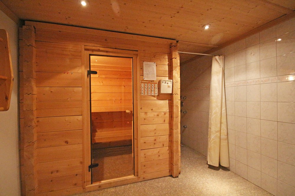 Sauna - small charge to use
